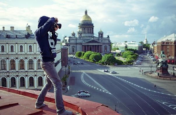 Photos sur un toit de Saint Petersbourg